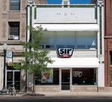 Free Standing Building For Lease in Andersonville